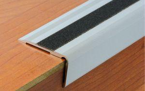 nez de marche en alu anodis argent longueur 3 m a visser perc 55 x 32 mm avec une bande anti. Black Bedroom Furniture Sets. Home Design Ideas
